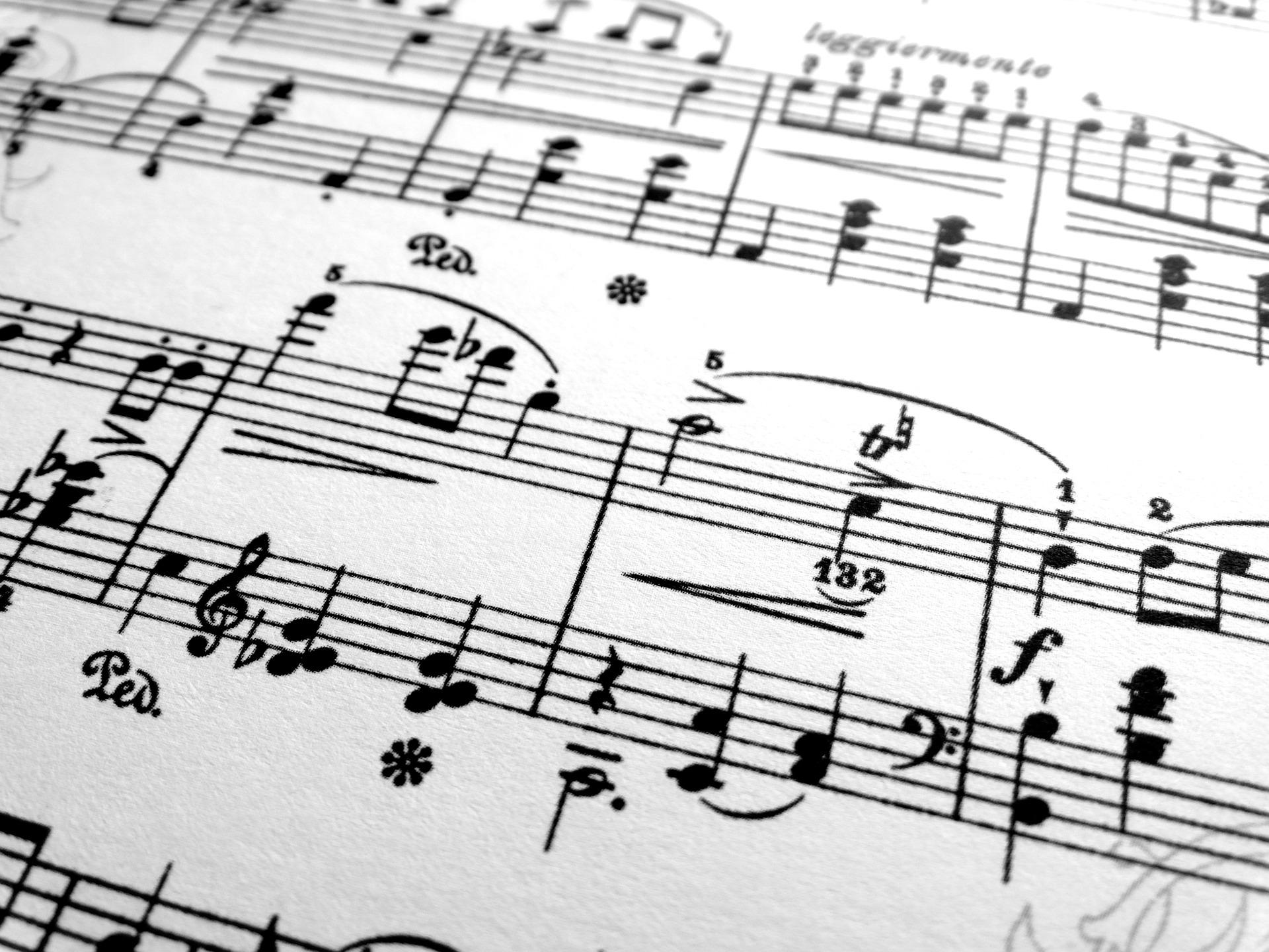 Piano_bg